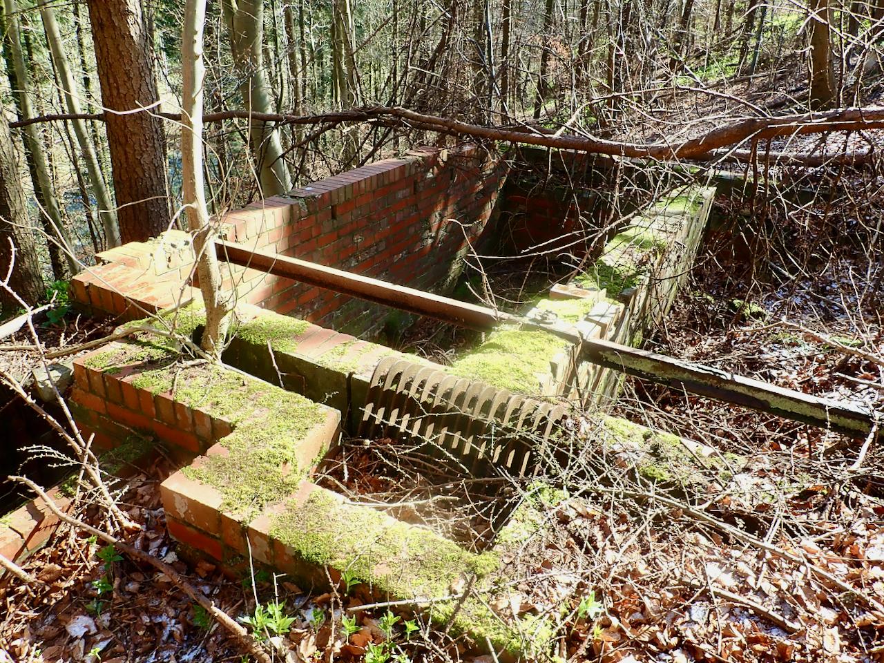 Sewage treatment tank?